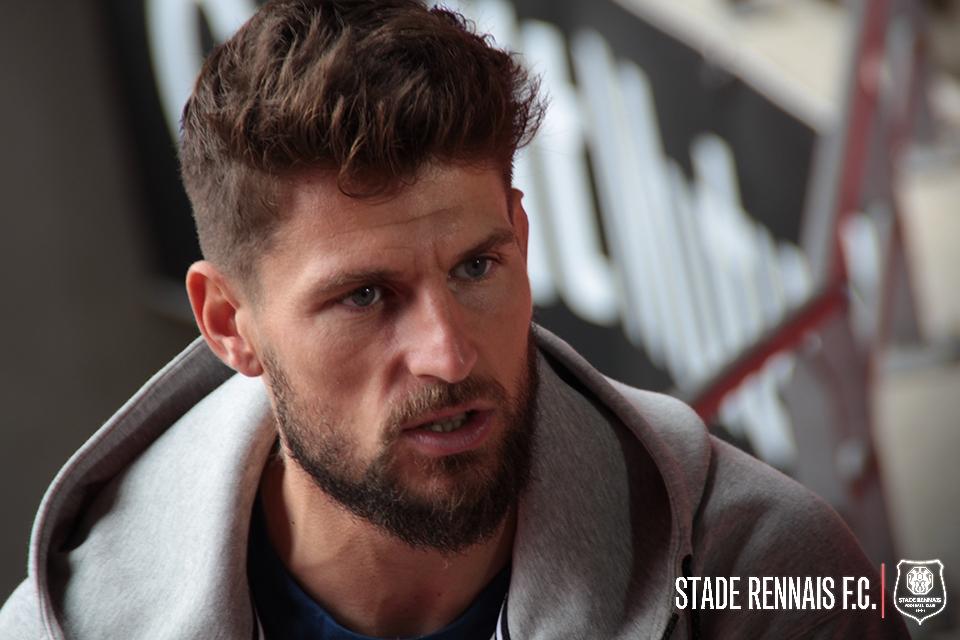 Le Stade Rennais officialise le départ de Benoît Costil